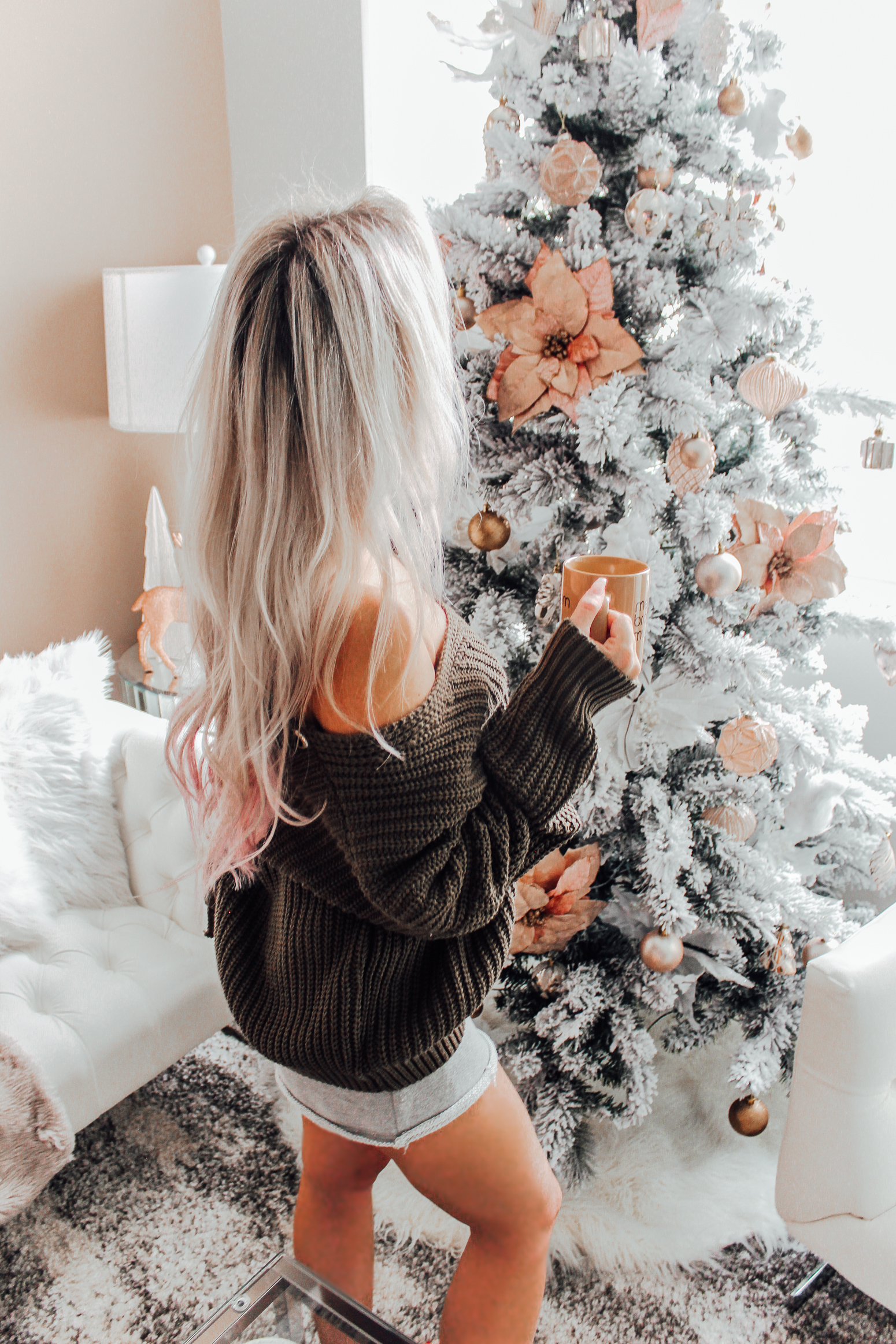 Blondie in the City | Christmas Decor | All The Christmas Feels