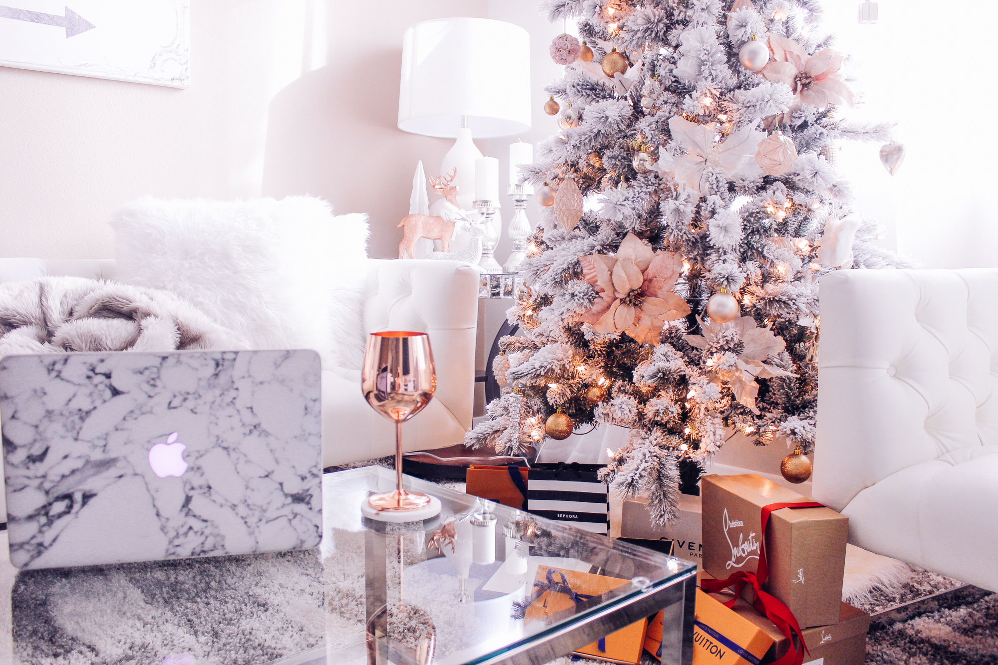 Holiday Gift Guide - Gift Ideas under $25, $50, $100, & $200 | Blondie in the City