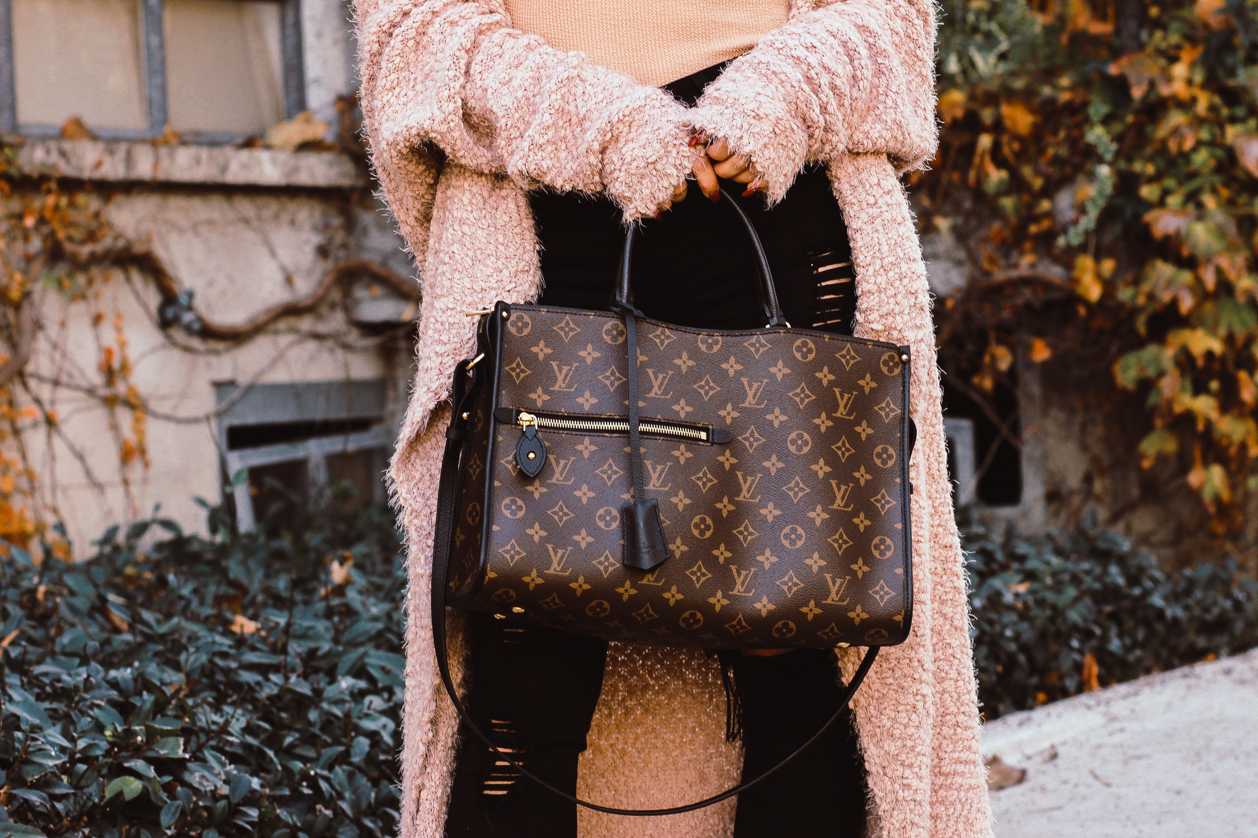 Blondie in the City | Louis Vuitton Popincourt MM