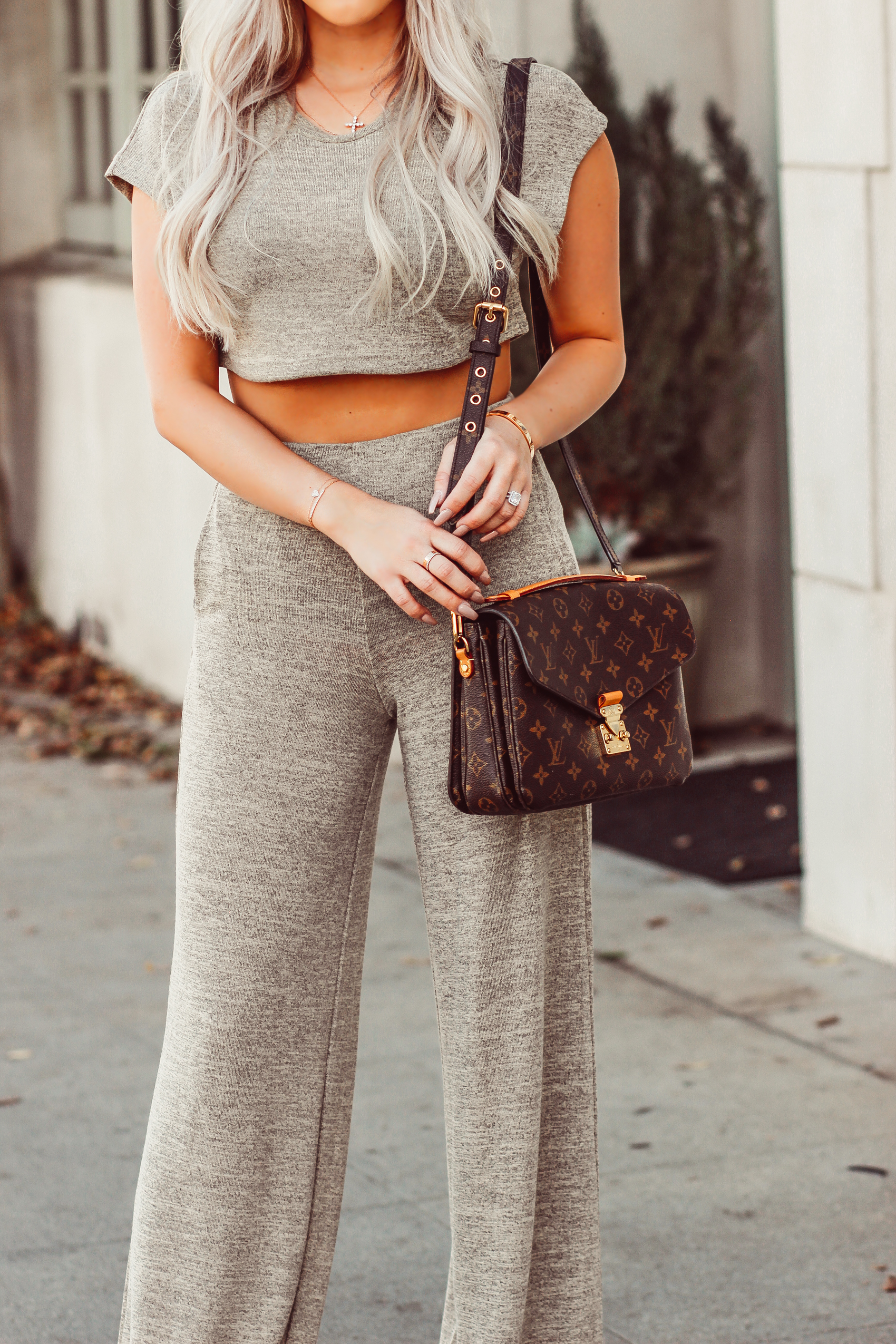 """""""Netflix & Chill"""" Two Piece from @fashionnova   LA Style   Louis Vuitton Pochette Metis   Blondie in the City"""