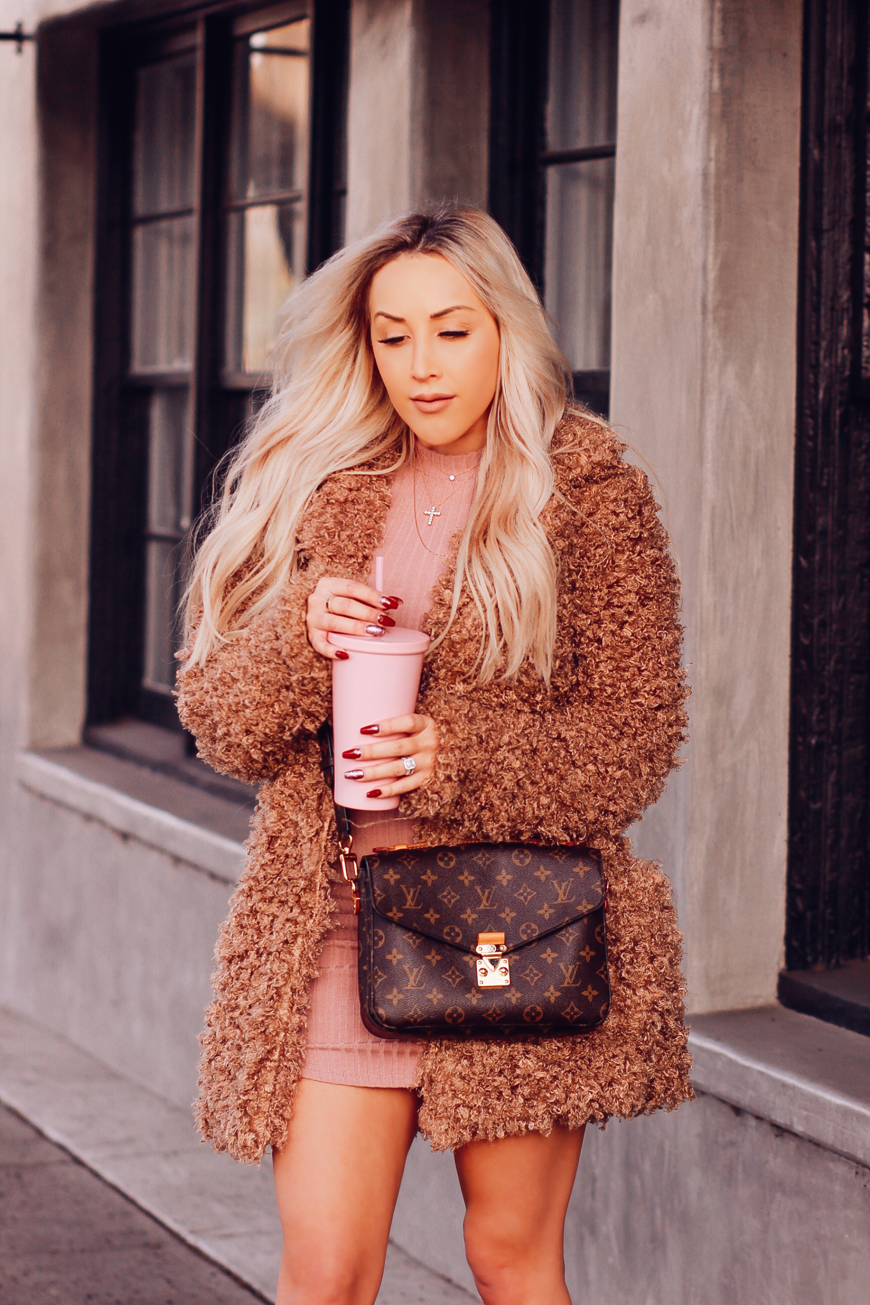Pink Bodycon Dress, Mauve Suede Boots | Louis Vuitton Pochette Metis | Blondie in the City